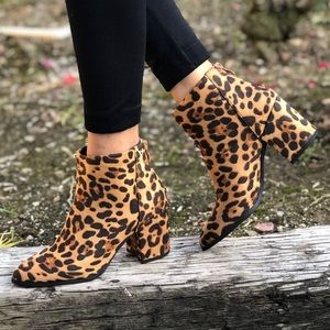 Shoes - Vegan Suede Leopard Animal Zip Up Pointed Booties